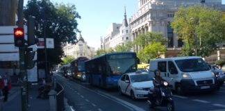 Madrid, carril bici en la calle Alcalá