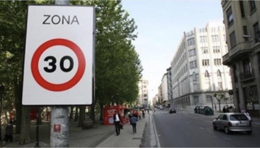 El límite mayoritario de velocidad en las ciudades españolas será 30 km/h | © Intras