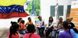 UNFPA: Un grupo de mujeres de Venezuela participa en un taller del UNFPA sobre salud sexual y reproductiva y prevención de la violencia de género.